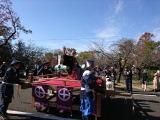宮崎県都城市『島津発祥まつり』パレードに参加した井戸田潤(C)NHK