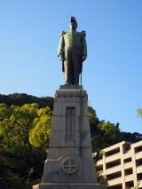 島津忠義公像=鹿児島市内、照国神社のすぐそばに父・久光公像とともにある (C)ORICON NewS inc.