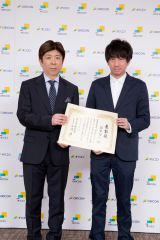 左からオリコン株式会社 代表取締役社長 兼CEO 小池恒、羽賀翔一氏