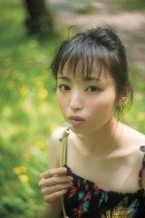 今泉佑唯=欅坂46ファースト写真集『21人の未完成』アザーカット