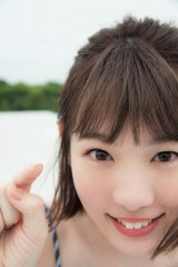 小池美波=欅坂46ファースト写真集『21人の未完成』アザーカット