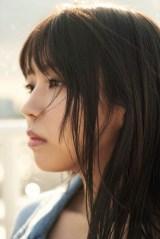 小林由依=欅坂46ファースト写真集『21人の未完成』アザーカット