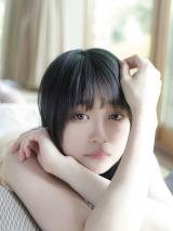 石森虹花=欅坂46ファースト写真集『21人の未完成』アザーカット