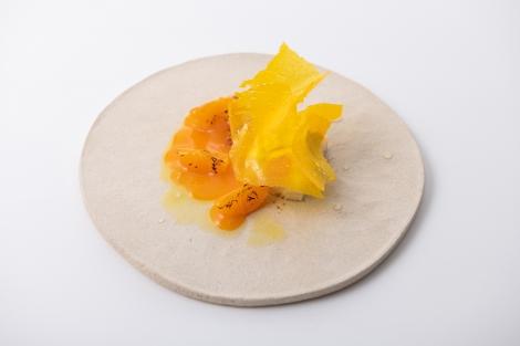 サムネイル レストラン『Kabi』で味わえるデザートコース、みかんをローストしたメニュー