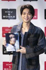 1st写真集『あなたがみる僕は——』発売記念イベントを行った磯村勇斗