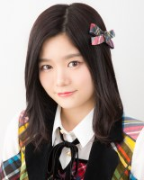 Fortune cherryのデビューシングル「ひまわりのない世界」の振付を担当したAKB48の中野郁海(C)AKS