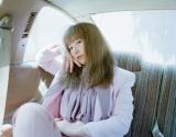 ニューアルバム発売&ホールツアーが決定したYUKI