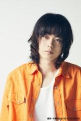 来年2月21日に俳優生活10周年本を発売する菅田将暉