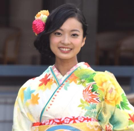 オスカープロモーションの「晴れ着撮影会」に出席した川瀬莉子 (C)ORICON NewS inc.