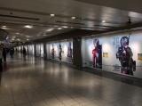 全長50メートルにわたって掲出 「ジオウ&ビルド」製作委員会 (C)石森プロ・テレビ朝日・ADK・東映