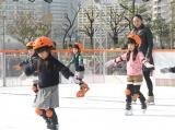 子どもたちにスケートを教える安藤美姫 (C)ORICON NewS inc.