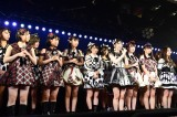 AKB48劇場が13周年を迎えファンにあいさつする横山由依(C)AKS