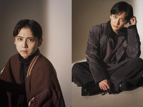 『SPUR』2月号で本格ファッション撮影に初挑戦した梶裕貴(左)と梅原裕一郎(C)SPUR2月号/集英社 撮影/矢吹健己〈W〉