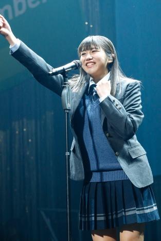 踊ることが大好きという武元唯衣(16)はダンス〜立ちブリッジ〜ターンを披露