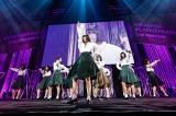 藤吉夏鈴をセンターに新メンバー10人で「サイレントマジョリティー」を披露