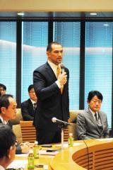 東京オリンピック・パラリンピック競技大会組織委員会 スポーツディレクターの室伏広治氏も出席し、法案成立にコメントした