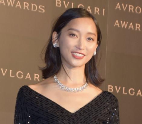 サムネイル 『BVLGARI AVRORA AWARDS 2018』ゴールデンカーペットセレモニーに登場した杏 (C)ORICON NewS inc.