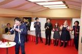「即興ミュージカル」で熱唱する田中圭(C)日本テレビ
