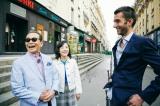 2019年2月9日放送回はフランス・パリから『ブラタモリ』町中で段差を見つけて喜ぶタモリと林田理沙アナウンサー(C)NHK