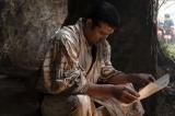 大河ドラマ『西郷どん』第47回より。従道からの手紙を読む隆盛(C)NHK