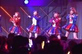 (左から)矢吹奈子、指原莉乃、田中美久、宮脇咲良