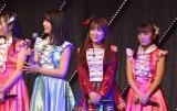 15期生のお披露目の列にまじる矢吹奈子-(1)