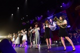 M15「僕らの音楽のテーマ」=『第8回AKB48紅白対抗歌合戦』より(C)AKS