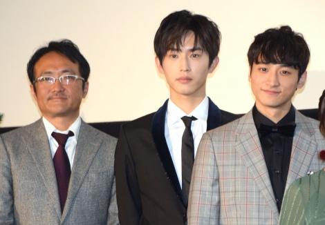 (左から)平川雄一朗監督、杉野遥亮、小関裕太=映画『春待つ僕ら』公開Anniversary舞台あいさつ