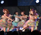 (前列左から)宮脇咲良、矢吹奈子=『HKT48コンサート〜今こそ団結!ガンガン行くぜ8年目!〜』 (C)ORICON NewS inc.