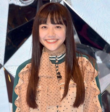 サムネイル 松井愛莉、ファンの撮影タイムでアピール (C)ORICON NewS inc.