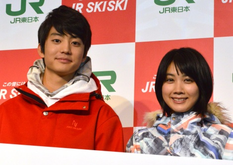 『JR SKISKIキャンペーン』の記者発表会に出席した(左から)伊藤健太郎、松本穂香 (C)ORICON NewS inc.
