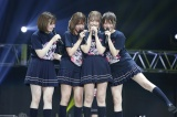 1期生4人が涙ながらに「ハルジオンが咲く頃」を歌唱(左から中田花奈、和田まあや、川後陽菜、樋口日奈)