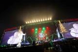 クリスマス感あふれるステージでファンを魅了 Photo by 今元秀明、岡田貴之、緒車寿一、加藤千絵、田中和子