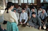 連続テレビ小説『まんぷく』第12週でたちばな栄養食品が解散。塩軍団ともお別れ(C)NHK