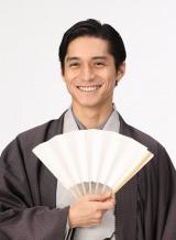 1月7日スタートの月9ドラマ『トレース〜科捜研の男〜』に主演する錦戸亮 (C)フジテレビ