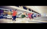 桑田佳祐 & The Pin Boysの元日発売シングル「レッツゴーボウリング」MVより