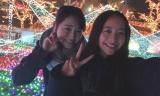福原遥(左)と堀田真由の2ショット(福原遥公式ブログより)