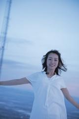 スウェーデンで撮影された乃木坂46・北野日奈子の写真集『空気の色』 撮影:藤本和典