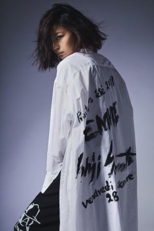 サムネイル 「BLACK Scandal Yohji Yamamoto」のイメージビジュアルに起用された西内まりや