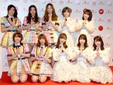 AKB48&BNK48(前列左から)ミュージック、モバイル、指原莉乃、柏木由紀、横山由依、(後列左から)ジェニス、オーン、パン、岡田奈々、向井地美音 (C)ORICON NewS inc.