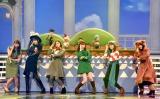 『第69回NHK紅白歌合戦』で行われる「夢のキッズショー」のリハーサルに参加した(左から)小林由依、柏木由紀、白石麻衣、指原莉乃、生田絵梨花、菅井友香 (C)ORICON NewS inc.