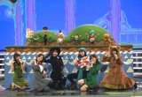 『第69回NHK紅白歌合戦』で行われる「夢のキッズショー」のリハーサルに参加した(左から)小林由依、白石麻衣、柏木由紀、生田絵梨花、指原莉乃、菅井友香 (C)ORICON NewS inc.