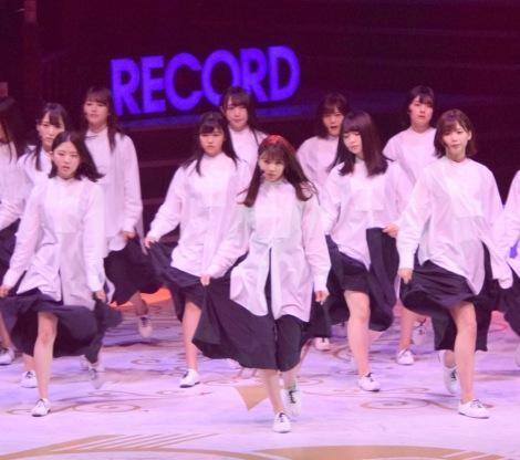 「アンビバレント」を披露した欅坂46=『第60回日本レコード大賞』 (C)ORICON NewS inc.