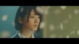 Aimerの新曲「花びらたちのマーチ」MVで主演を務めたけやき坂46佐々木美玲