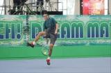 テニス対決に参戦するダニエル太郎=『夢対決2019 とんねるずのスポーツ王は俺だ!! 5時間スペシャル』1月2日、テレビ朝日系で放送(C)テレビ朝日