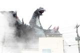 怪獣ギャラスが街を破壊!!