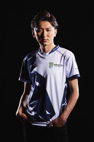 日本人プロ格闘ゲーマーのネモ選手