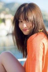4年ぶりの写真集『NATUREL』を発売する橋本環奈(撮影:JIMMY MING SHUM/講談社)