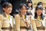 4thシングル「世界の人へ」で初選抜された(左から)中村歩加、西村菜那子、奈良未遥 (C)ORICON NewS inc.