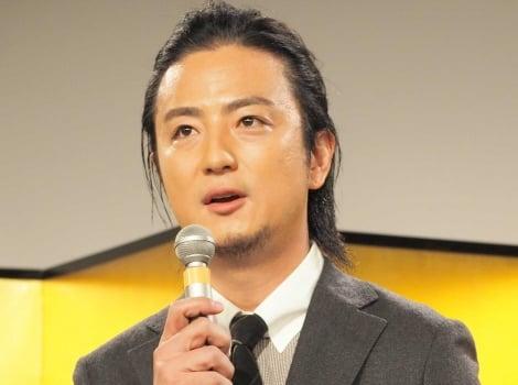 NHK BSプレミアム放送のドラマ『盤上のアルファ〜約束の将棋〜』の取材会に出席した上地雄輔
